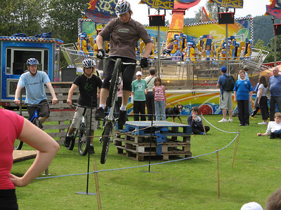 It was some sort of festival day in Windermere town, with carnival rides and a mountain biking demonstration.