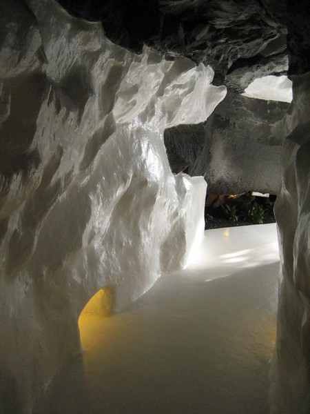 Cesar Manrique, old lava tunnel now hallway