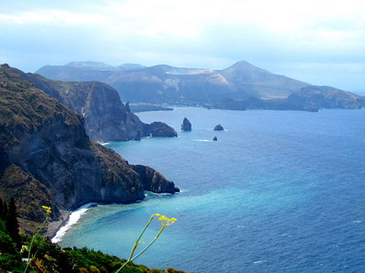 A hike around the Island of Lipari.  From Quattrocchi to Quattropani, they on to Acquacalda.   About 5 hours !