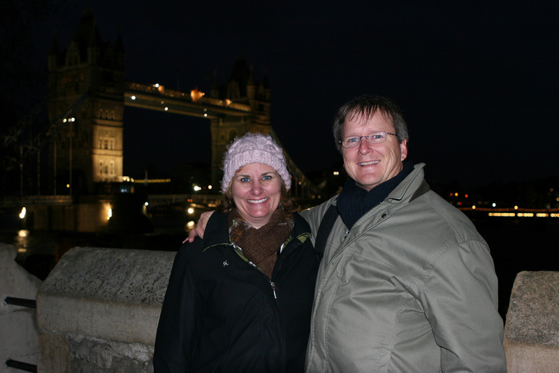 Amy & Jeff with Tower Bridge in background