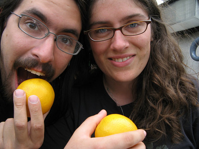 One of the Artworks was a pile of 3,000 oranges (there were only a couple hundred left when we got there) that you were supposed to take away and eat.  So we did!  yay!