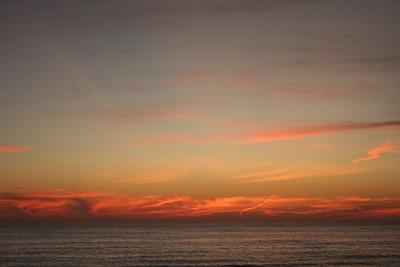 A beautiful sunset along with sundowner wine on Longboat Key.