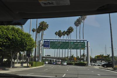 I've arrived in LA! Mindy picked m up from LAX