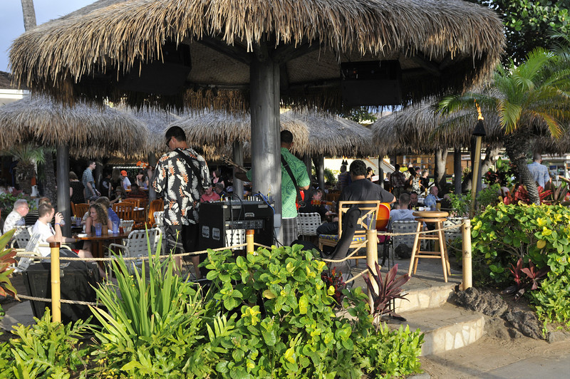 THIS WAS OUR FAVORITE DINNER SPOT.  HULA GRILL RIGHT NEXT TO OUR RESORT.  THEY ALWAYS HAD LIVE MUSIC PLAYING AND THE TABLES WERE IN THE SAND!  LOVE IT!