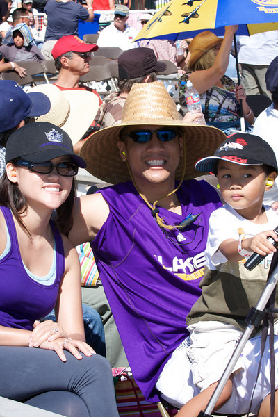 <center>Sean with Gin and Charlie (showing off their Lakers color)</center>