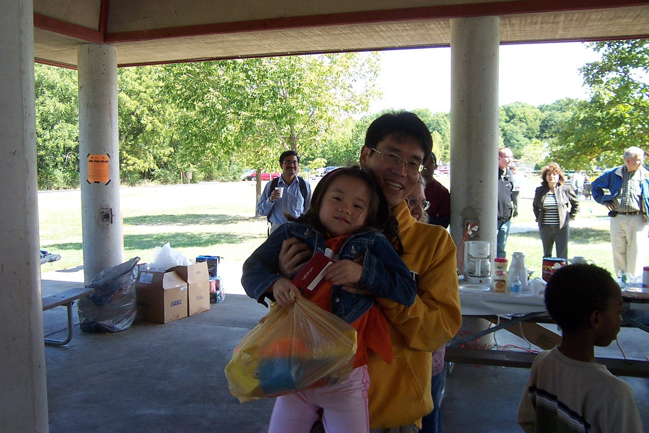 Math_Dept_Picnic _2007 068