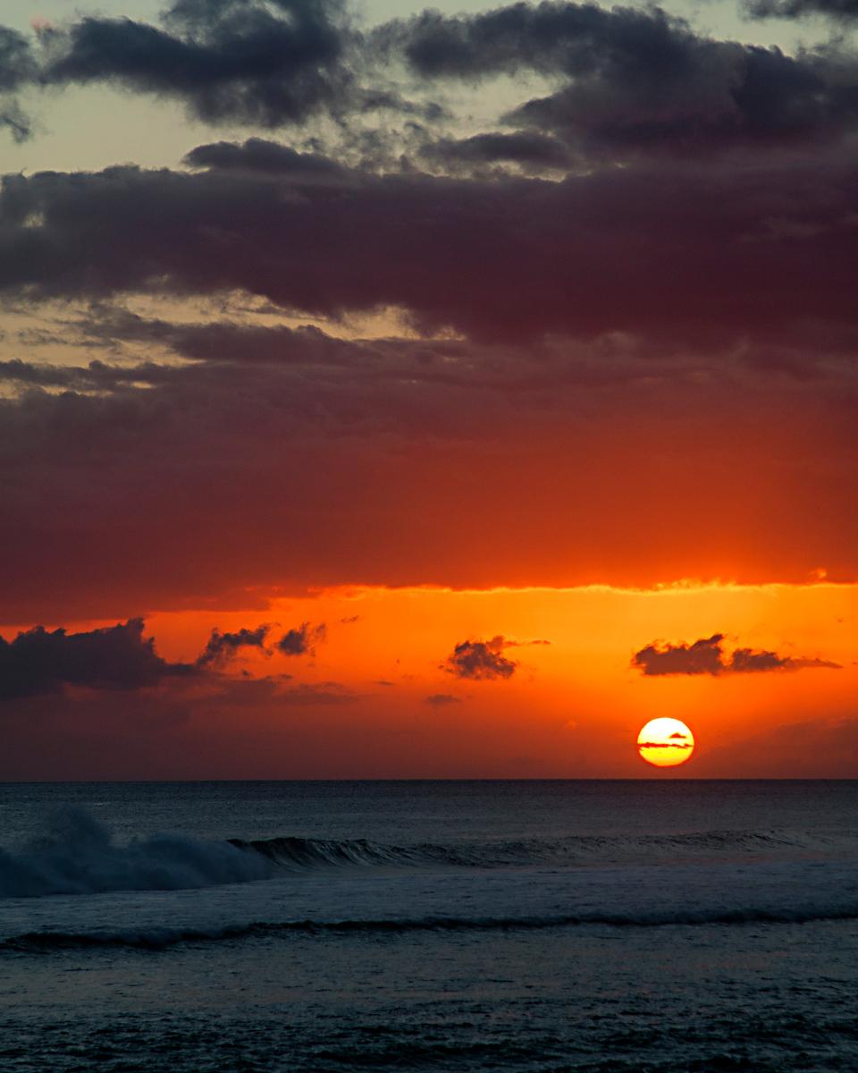 IMAGE: https://photos.smugmug.com/Vacation/Maui-2013/i-8NqZWwD/0/88cd5c69/X3/_MG_5562%20copy-X3.jpg