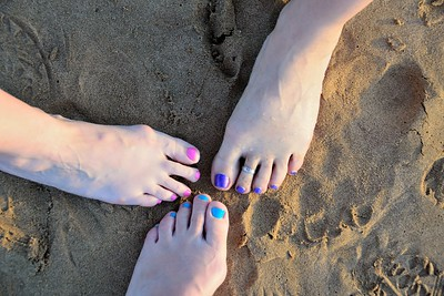 Who's toes belong to who?