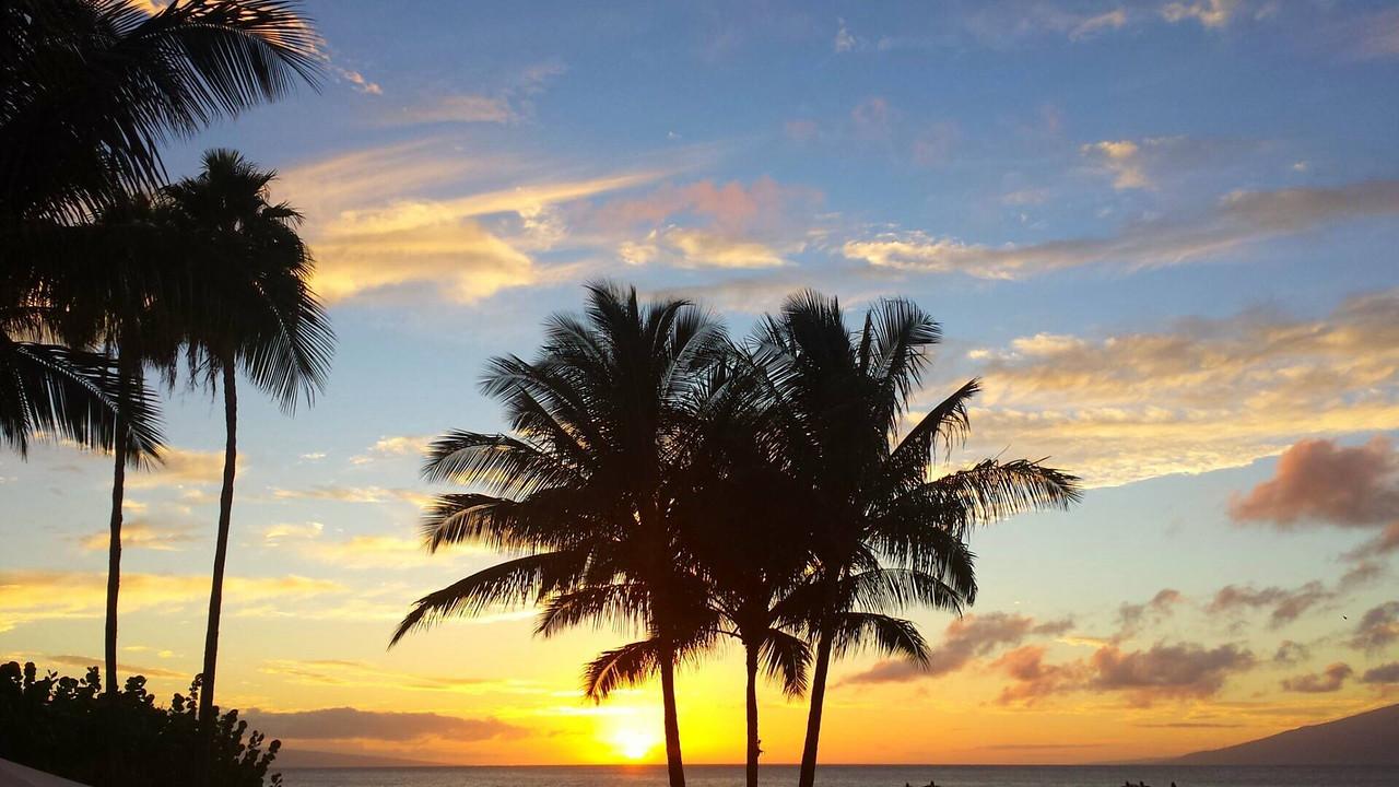 Sunset from Merriman's restaurant at Napili Bay.
