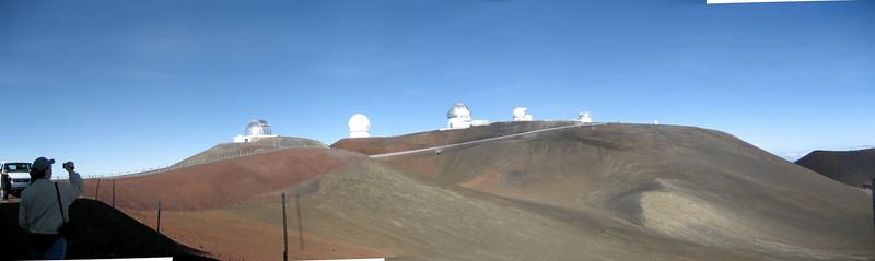 Mauna_Kea_Observatories.jpg