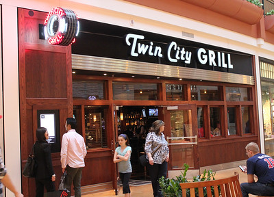 May 15, 2013 - (Mall of America [entrance] / Bloomington, Hennepin County, Minnesota) -- Twin City Grill [excellent pub dining