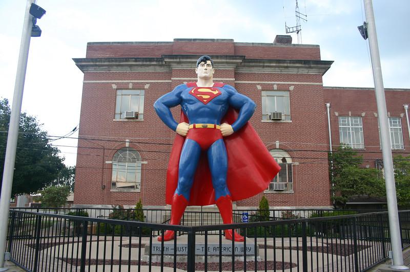 Superman Statue in Metropolis, IL ( 2012 )