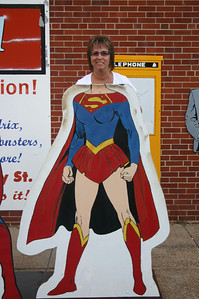 Lori is a female Superman in Metropolis, IL ( 2012 )