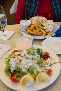 We enjoyed some Dungeness Crab Louie and Sand Dab sandwich at the Sandbar Bar and Grill on the Monterey commercial pier