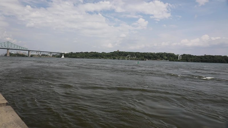 A video of the St Lawrence River