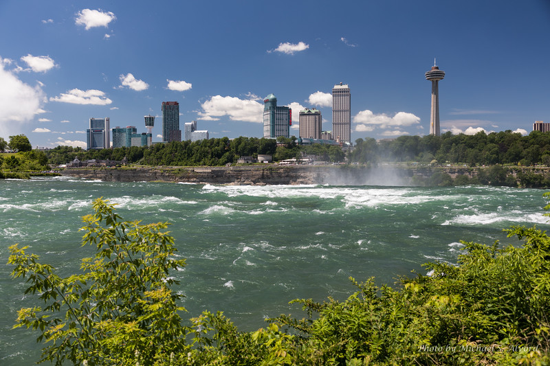 You can now see the mist from the American falls.