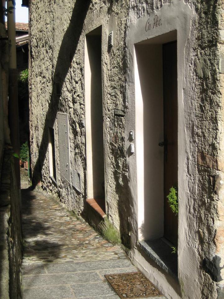 Morcote, doors in sunlight