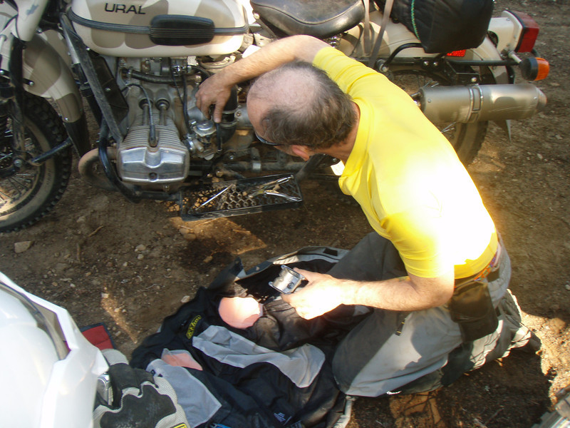 Steve having runnning (power) issues taking apart carb to clean . . . . . .  Ended up he needed a clean air filter.