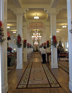 The grand hallway in the lobby of the Mount Washington Hotel