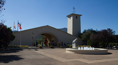 It's been years since we've been to Robert Mondavi Winery, so we decided to drop in.