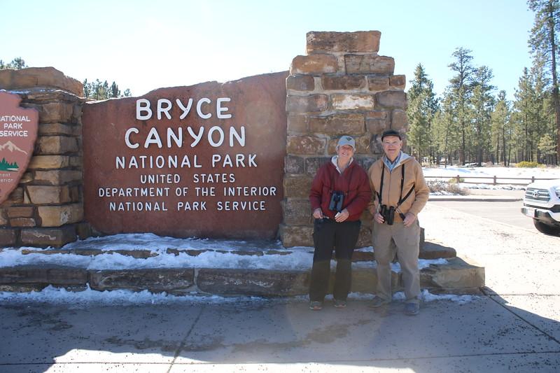 MaryAnne & David @ Bryce Canyon NP Entrance