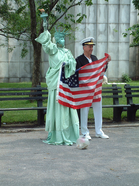 Mime @ Battery Park - Manhattan - New York City, NY