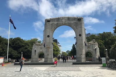 We entered the city of Christchurch through the Bridge of Remembrance, a stone bridge with a sculpted triumphal memorial arch to those who died in World War I.