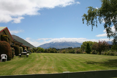 The yard in front of the camp ground at Lake Wanaka.