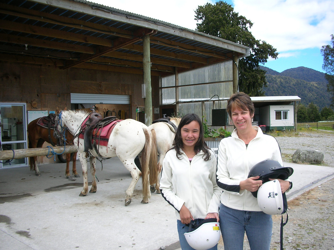 Ila and Naomi at the horse trekking corral.