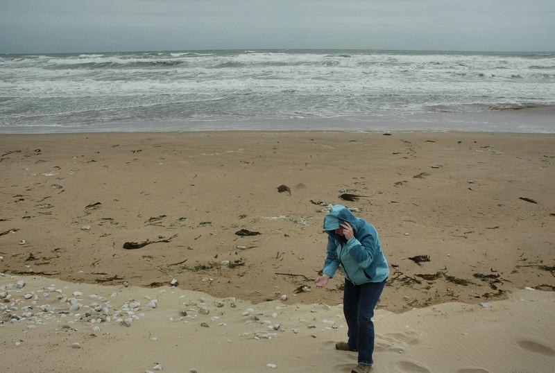 Omaha Beach 2009 - Judy Nabs a Souvenir