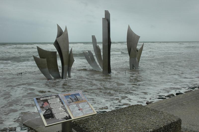Les Braves - Omaha Beach Memorial