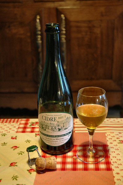 """<a style=""""font-size: 14px;"""" href=""""http://manormandie.googlepages.com/gastronomy-lesboissons(beverages)#cidre"""" target=""""_blank"""">Cidre Bouché</a>, essence of Normandy."""