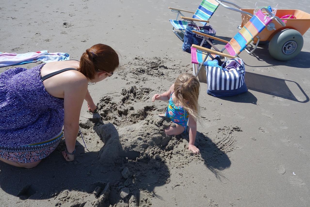 Ilsa turning Katrina into a mermaid