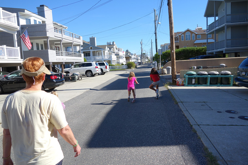 We arrived in OCNJ on Saturday afternoon, Sept. 14.  We spent the rest of the day moving our stuff in and getting settled.  Sunday morning we headed to the park - with Anna and Kaidyn riding their scooters