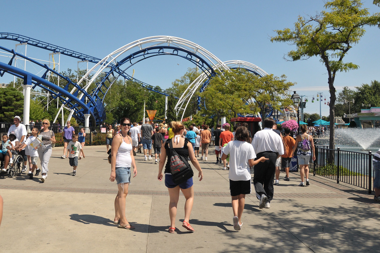 The corkscrew over the walkway is very kewl.