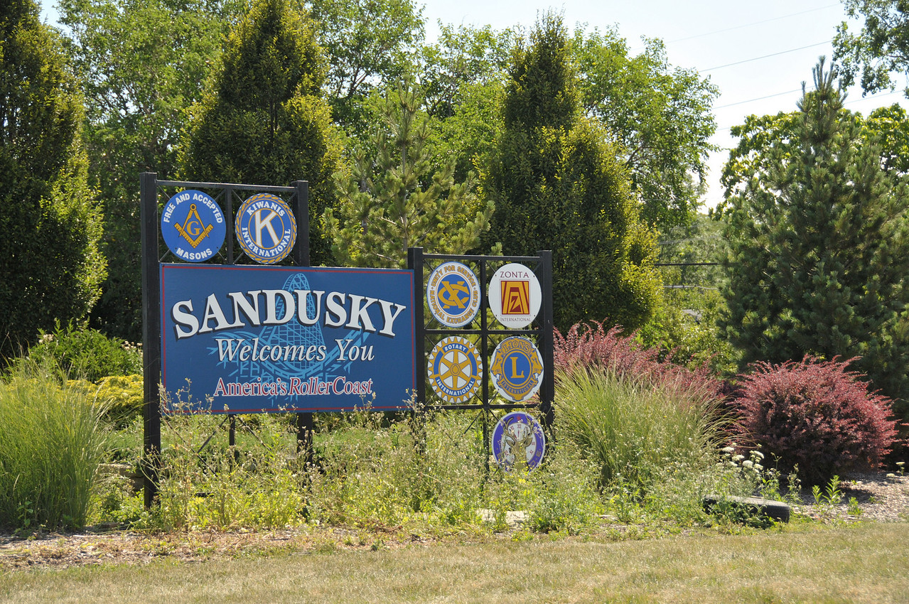 Welcome to Sandusky, we're almost to Cedar Point!!!