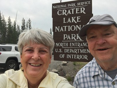 MaryAnne & David @ Crater Lake NP [North Entrance]
