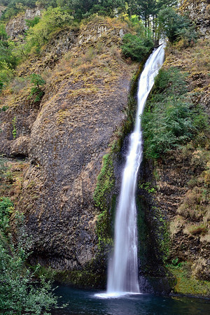 Horsetail Falls, on the waterfall drive along the Columbia River east of Portland.