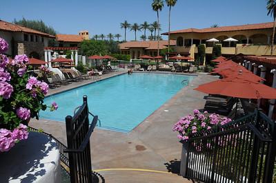 Main Pool area, very nice!