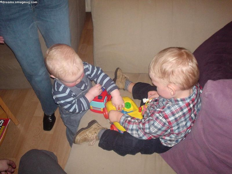 Max and Thomas still arguing
