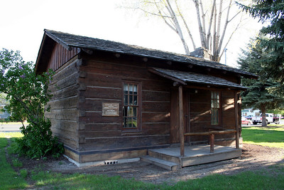 This was an old log cabin that was also a museum.