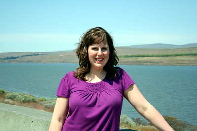 A picture of Lorinda with the Columbia River in the background.