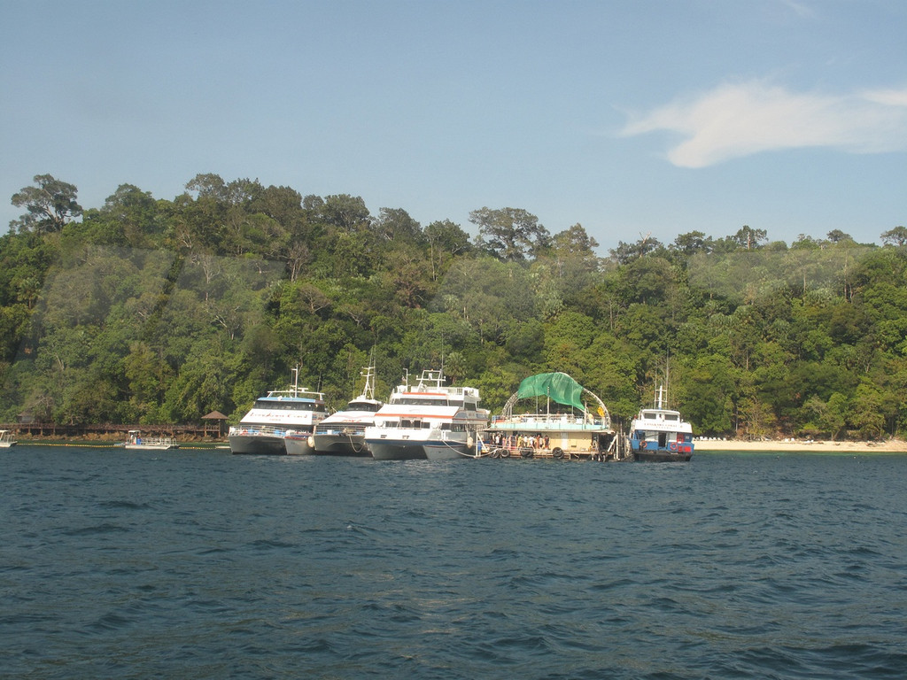 There were already quite a few tourists at Pulau Payar Marine Park when we arrived.