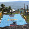 a new public court donated by Carmelo Anthony in La Perla, neighborhood below the northern wall.