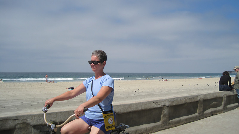 Lulu and Dick rented bikes one afternoon.  We started by riding along the boardwalk.