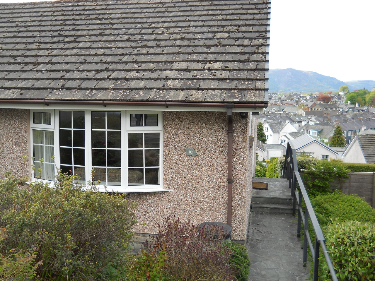 We decided to try self-catering this year.  Here is our cottage, 10 Manesty View.  Its 1 street above Bob and about 3 houses down from our friends, Anna and Vincent.