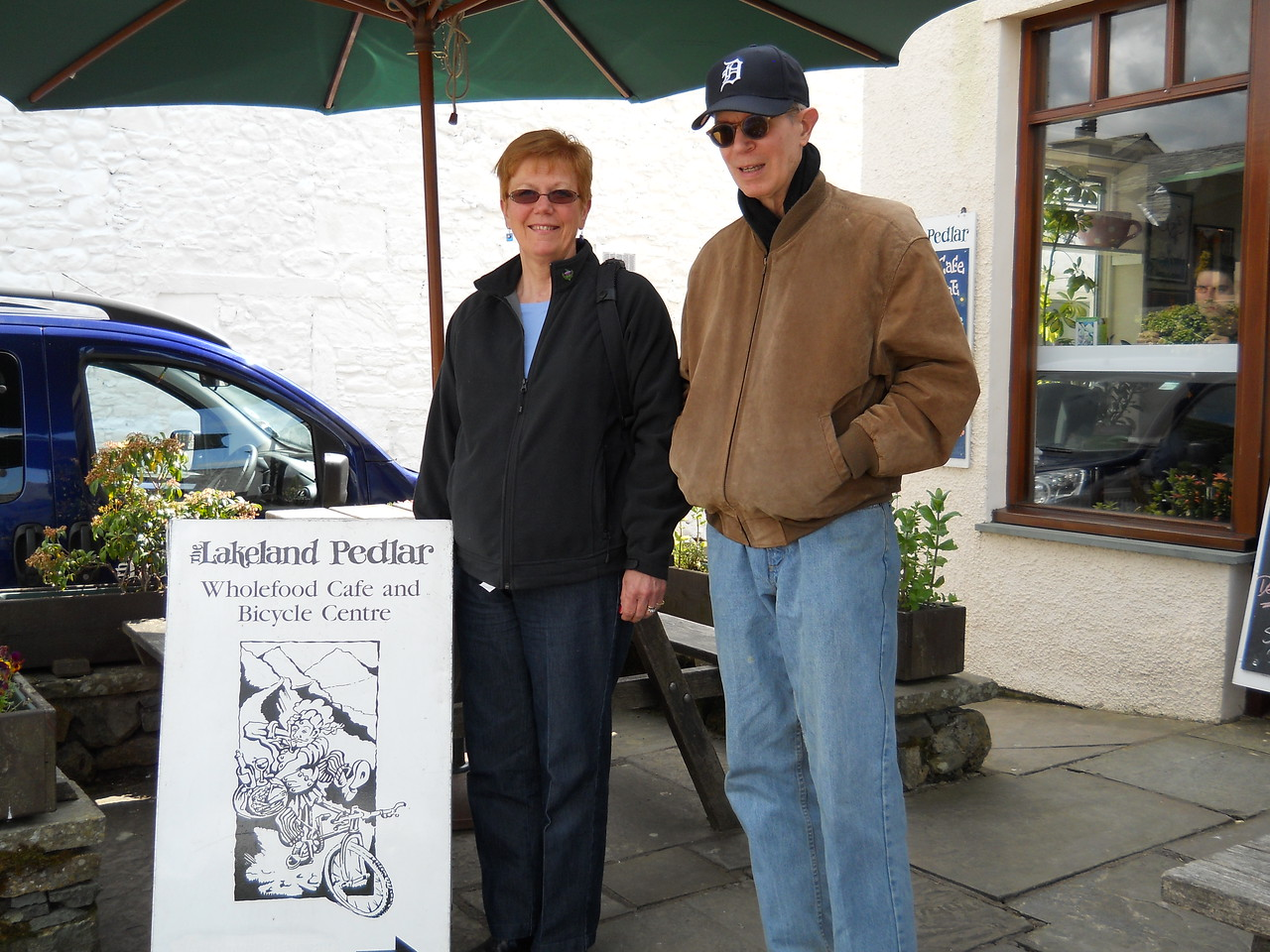 Our usual place for lunch was closed, so Bob took us to The Lakeland Pedlar - the food was very good