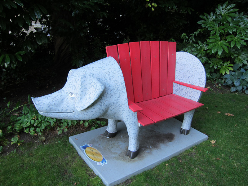 I liked this pig chair but never had the opportunity to sit in it