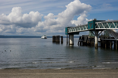 A ferry approaching the Edmonds ferry dock.