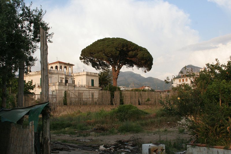 Four years ago when we were there, there was a beautiful house here and lot of little  bungalows and a beautiful garden (and parking). The Italian government took it over for not paying taxes and sold it to a private developer who is going to build a gym.